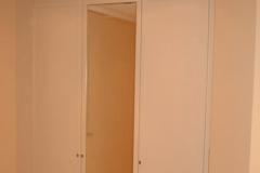 beleuchtete Garderobe mit Spiegel