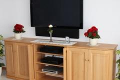TV Schrank in Holz