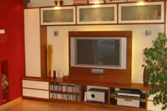 Wohnwand mit Fernsehaufhängung und Backlight LED